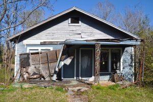 Double-barreled shotgun house in east Texas